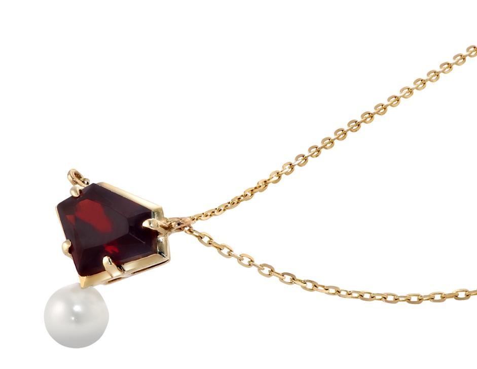 出典:https://www.star-jewelry.com/girl/